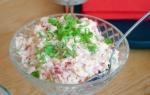 Как небанально приготовить салат с крабовыми палочками