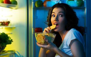 Почему еда кажется ночью вкуснее